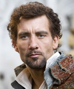 clive-owen-as-sir-walter-raleigh